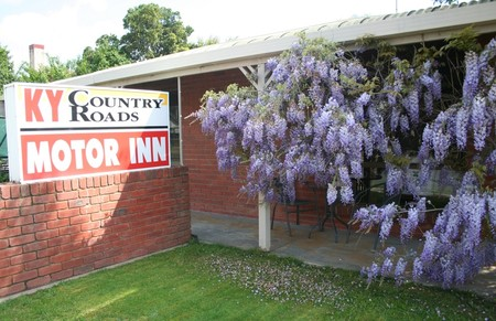 KY COUNTRY ROADS MOTOR INN - Lennox Head Accommodation