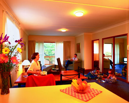 Oxley Court Serviced Apartments - Lennox Head Accommodation