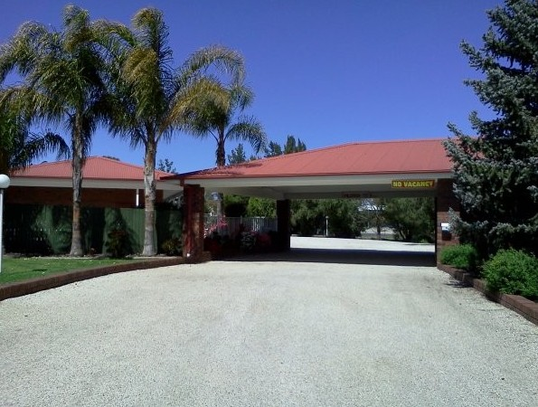 Golden Chain Border Gateway Motel - Lennox Head Accommodation