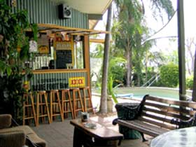 Backpackers By The Bay - Lennox Head Accommodation