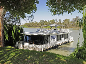 Moving Waters Self Contained Moored Houseboat - Lennox Head Accommodation