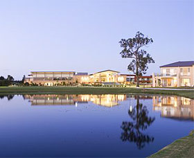 The Crowne Plaza Hotel - Lennox Head Accommodation
