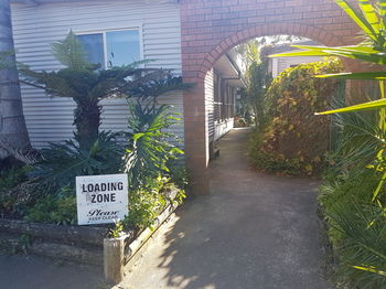 Bentley Waterfront Motel amp Cottages - Lennox Head Accommodation