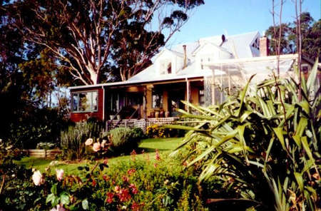 The Sleeping Lady Private Retreat - Lennox Head Accommodation