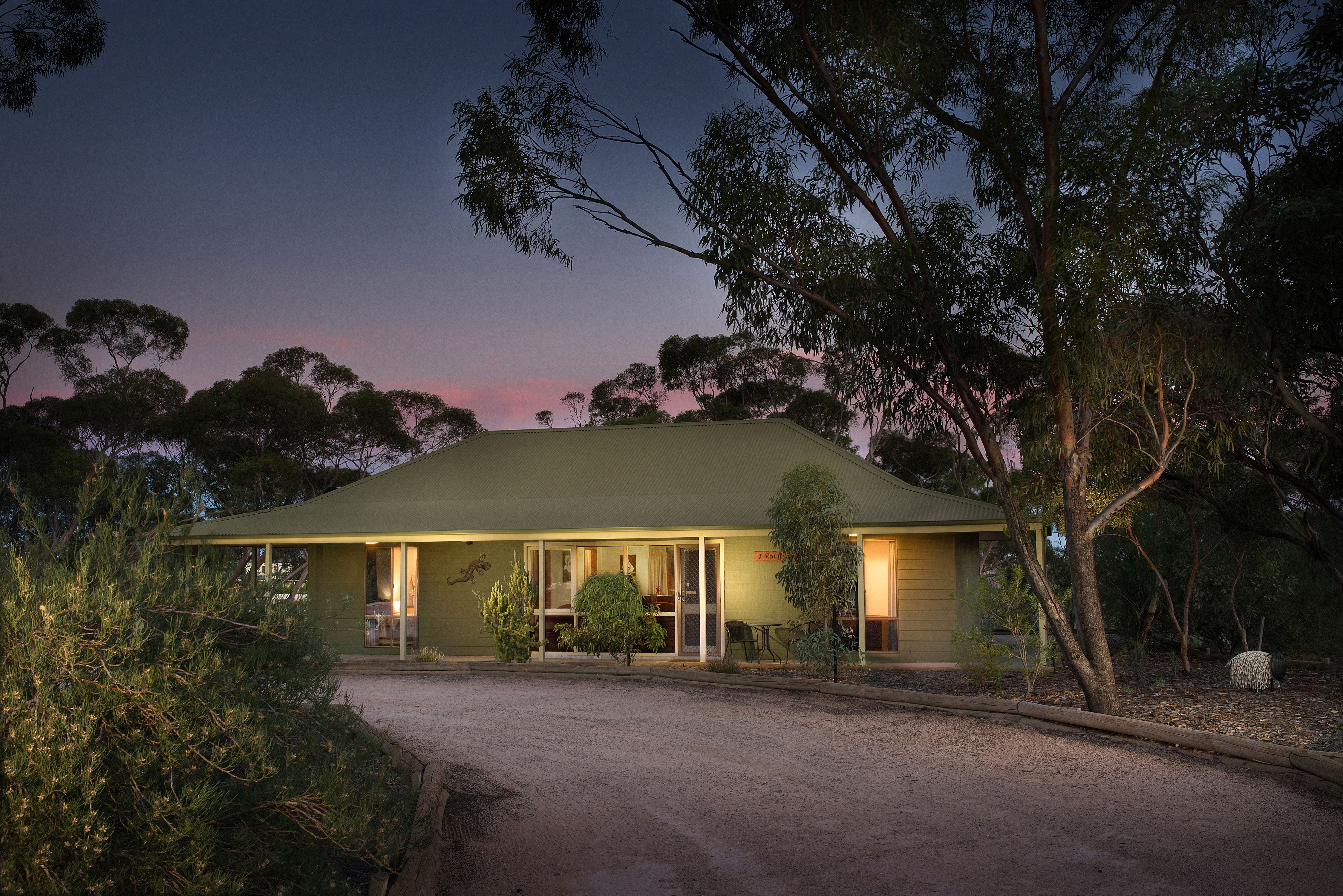 Riverbush Cottages - Lennox Head Accommodation
