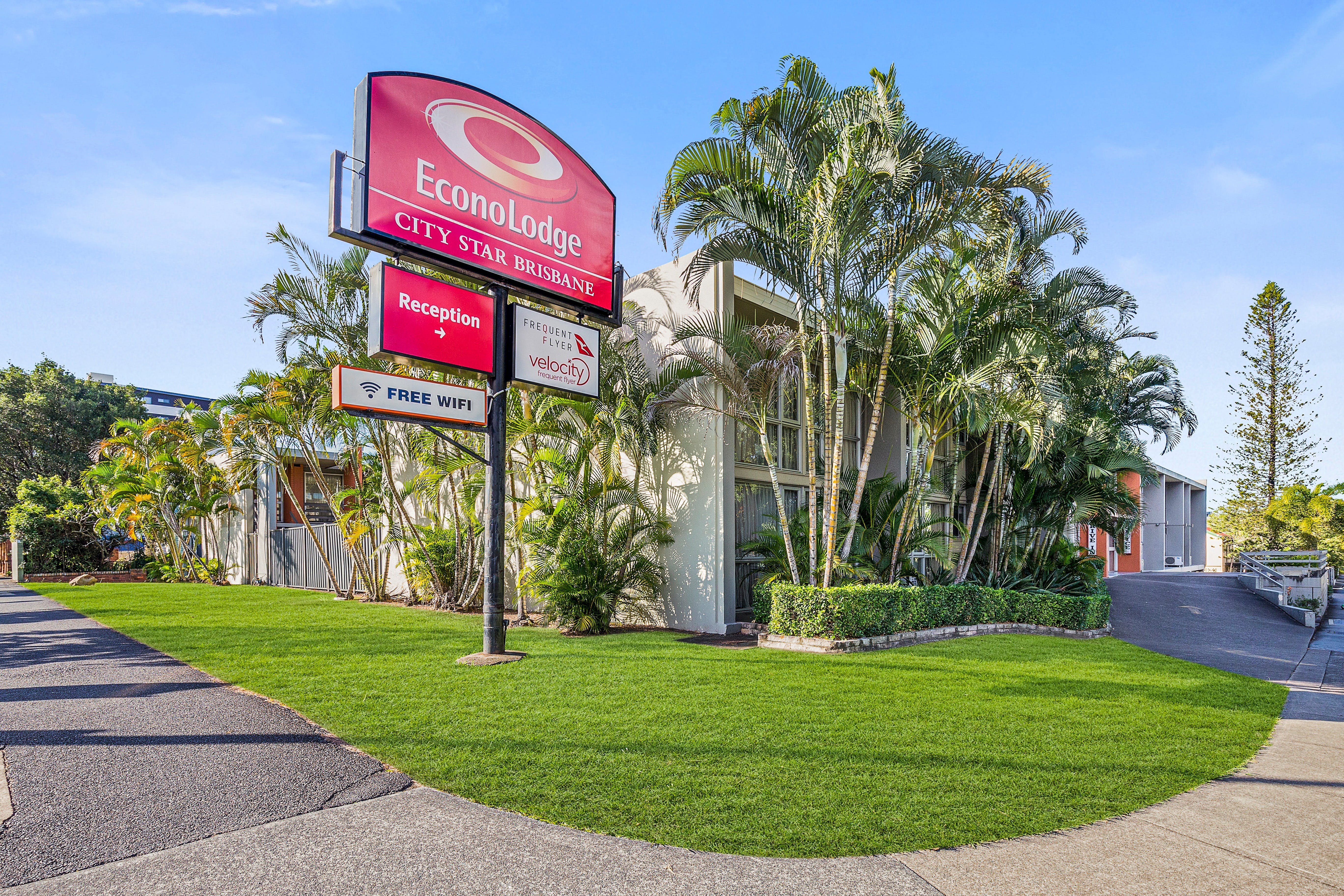 Econo Lodge City Star Brisbane - Lennox Head Accommodation