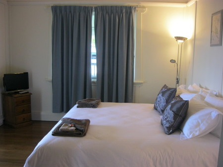 Blooms Cottage - Lennox Head Accommodation