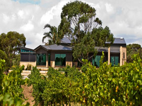 Delacolline Estate - Lennox Head Accommodation