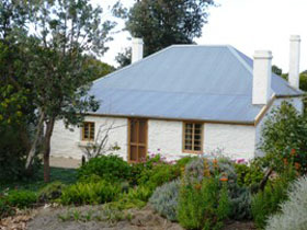 dingley dell cottage - Lennox Head Accommodation