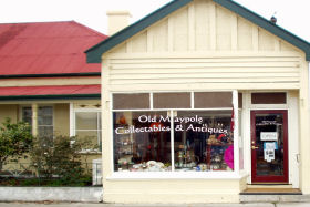 Old Maypole Collectables  Antiques - Lennox Head Accommodation