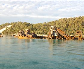 Tangalooma Wrecks Dive Site - Lennox Head Accommodation