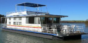 Oz Houseboats - Lennox Head Accommodation