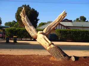 Loxton Tree sculptures - Lennox Head Accommodation