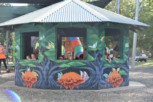 Howlong's Enchanted Hut - Lennox Head Accommodation