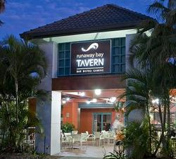 Runaway Bay Tavern - Lennox Head Accommodation