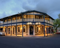 Kensington Hotel - Lennox Head Accommodation