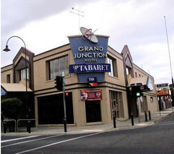 Grand Junction Hotel - Lennox Head Accommodation