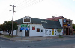 Black Lion Inn Hotel - Lennox Head Accommodation