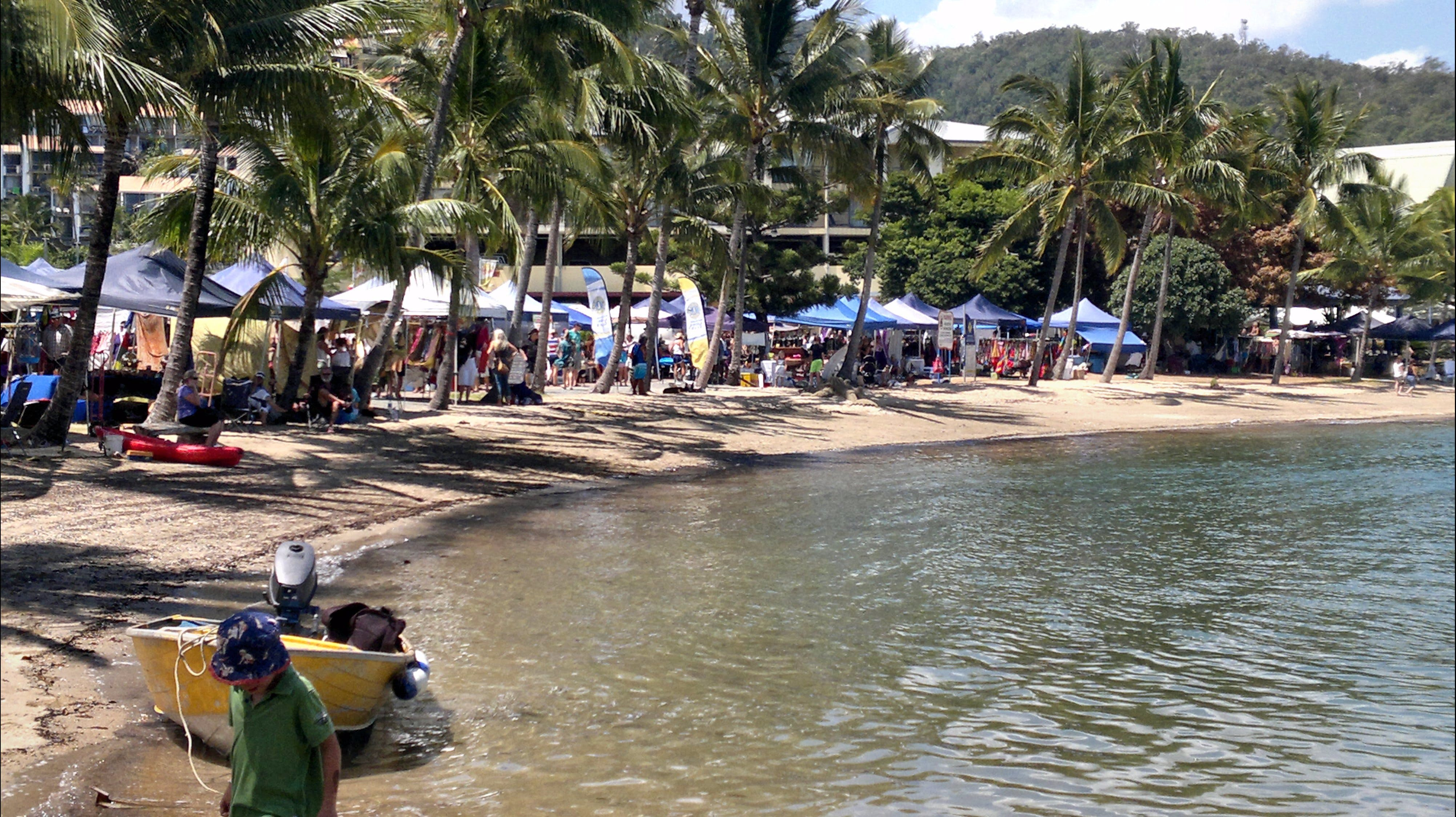 Lions Airlie Beach Community Markets - Lennox Head Accommodation
