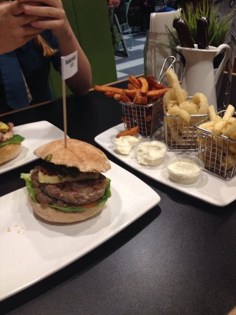 Burger Urge - Lennox Head Accommodation