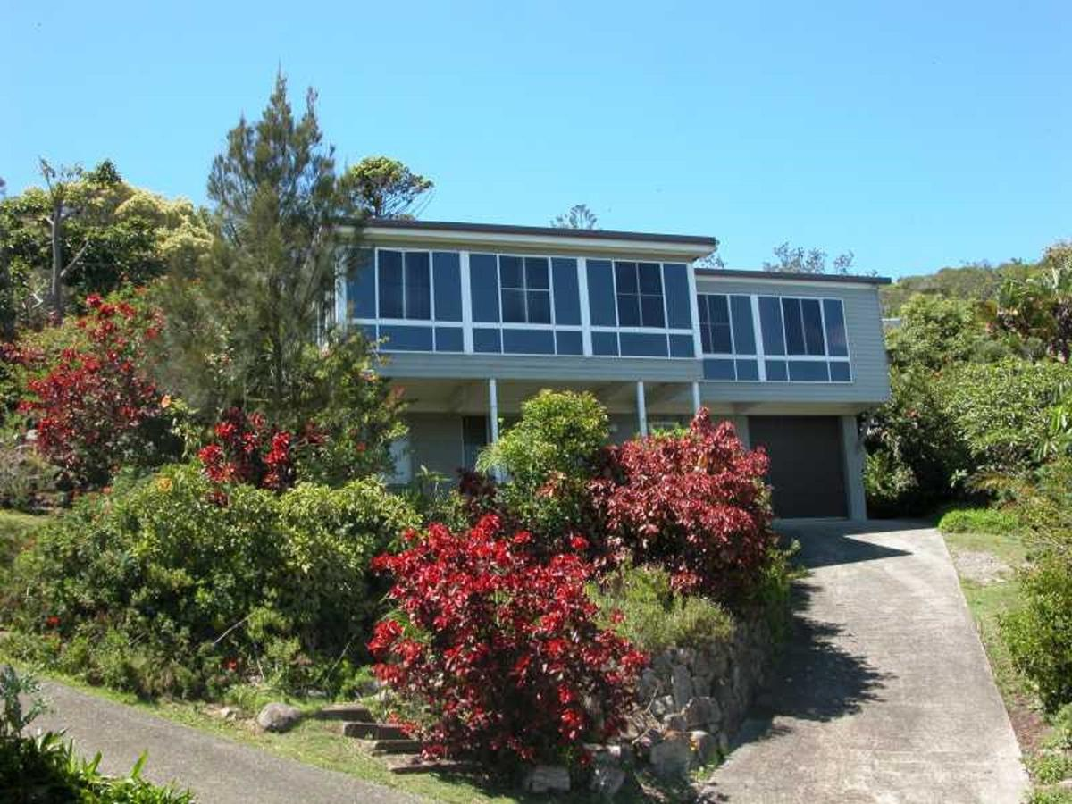 Bally High 20 Dulconghi Street - Lennox Head Accommodation
