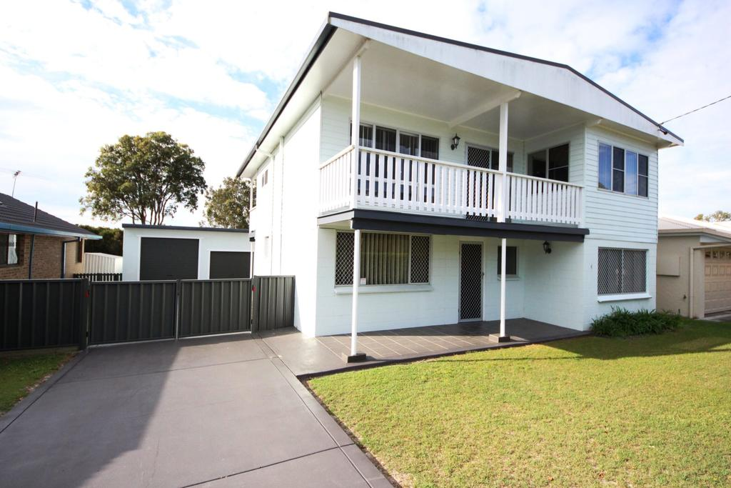 By The Beach at South West Rocks - Lennox Head Accommodation