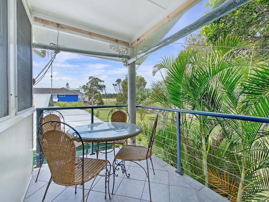 Allamanda House 3 Willow Street - Lennox Head Accommodation