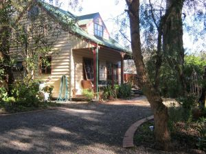 Ballarat cottages incorporating yarrowee cottage and Admirals cottage - Lennox Head Accommodation