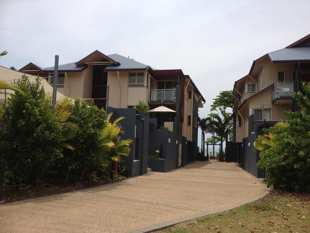 Beach House Apartment 1 - Lennox Head Accommodation